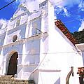 Iglesia De San Antonio by Robert  Rodvik