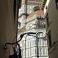 In The Shadow Of Il Duomo by Christopher Rees