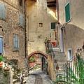 Italien Gasse by Bernhard Halbauer
