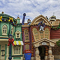 It's A Toontown Christmas by Lynn Bauer