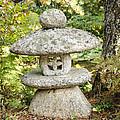 Japanese Stone Lantern by Oscar Gutierrez