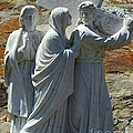 Jesus Carrying Cross by Kathleen Struckle