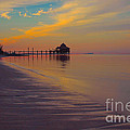 Kamalame Beach by Carey Chen