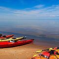 Kayaks On The Beach by Lars Lentz