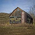 Kentucky Club Barn by Jack R Perry