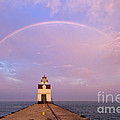 Kewaunee Pierhead Lighthouse And Rainbow - D002811 by Daniel Dempster