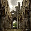 Kirkstall Abbey by Pablo Lopez