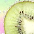 Kiwi Splash by Ruth Jolly
