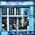 La Fourmi Ailee Paris France by Evie Carrier
