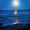 Lake Superior Moonrise by Jill Battaglia
