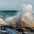 Lake Superior Waves by Paul Freidlund