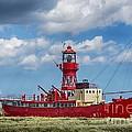 Lightship Lv15 Trinity 2 by Chris Thaxter