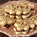 Linzer Cookies by Iris Richardson