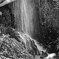 Loja Waterfall Mono by Guido Montanes Castillo