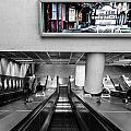 London.underground by Roland Bedernik