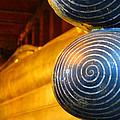 Long Buddha Statue by Chaichana Pratomwong