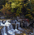 Lower Taughannock Falls by Bob Phillips