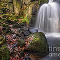 Lumsdale Falls 2.0 by Yhun Suarez