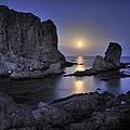 Moon by Guido Montanes Castillo