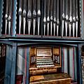 Manual Pipe Organ by Adrian Evans