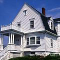Marshall Point Keepers House by Skip Willits