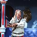 Maryland Renaissance Festival - A Fool Named O - 12125 by DC Photographer