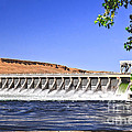 Mcnary  Hydroelectric Dam by Robert Bales