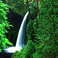 Menteko Falls  by Jeff Swan