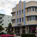 Miami Art Deco by Jannis Werner