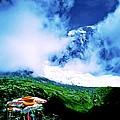 Le Milieu De Mont Blanc   by Tim Richards