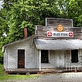 Miles Country Store by Benanne Stiens