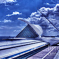 Milwaukee Art Museum 1 by Tommy Anderson