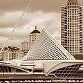 Milwaukee Art Museum In Winter by David Bearden