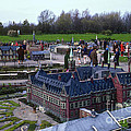 Miniature Friedenspalast by Bob Phillips