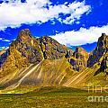 Mountain Crags by Roberta Bragan