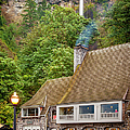 Multnomah Falls Lodge by Brian Jannsen