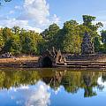 Neak Poan Temple by Alexey Stiop