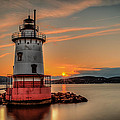 Night Fall At The 1883 Lighthouse by Dave Hahn