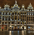 Night Time In Grand Place by Juli Scalzi