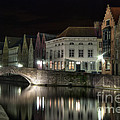 Night Time On The Canal by Juli Scalzi