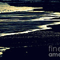 Nightly Waves By The Ocean Shore by Susanne Van Hulst