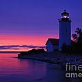 Nine Mile Point Light - Fm000022a by Daniel Dempster