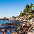 North Shore Of Lake Superior by Les Palenik
