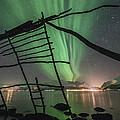 Northern Lights Rays by Tom Kiil