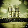 Notre Dame by Duncan Snow