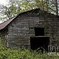 Ole Country Barn by Michael Waters