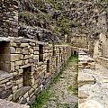 Ollantaytambo Peru by Jared Bendis