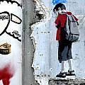 Paris Spraycan 1 by Phil Robinson