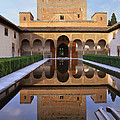 Patio De Los Arrayanes La Alhambra by Guido Montanes Castillo