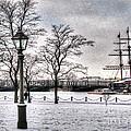 Peterburg Winter by Yury Bashkin